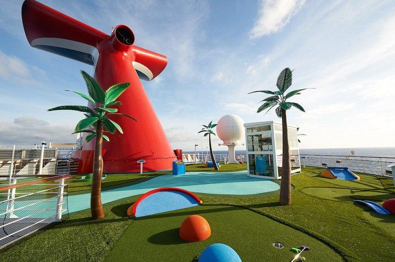 Carnival Sunrise Minigolf