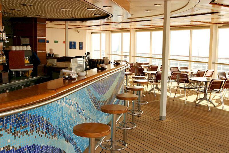 Costa Cruise Bar
