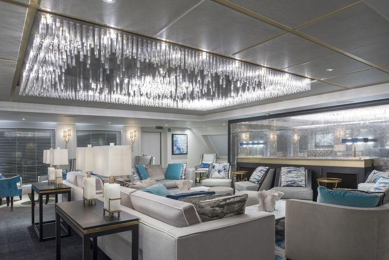 Crystal Esprit Lounge