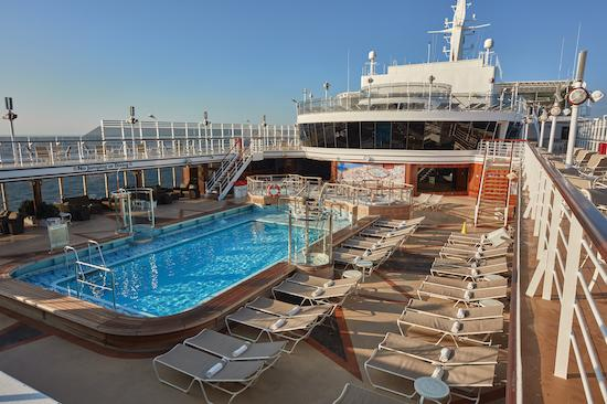 Queen Mary 2 Pool