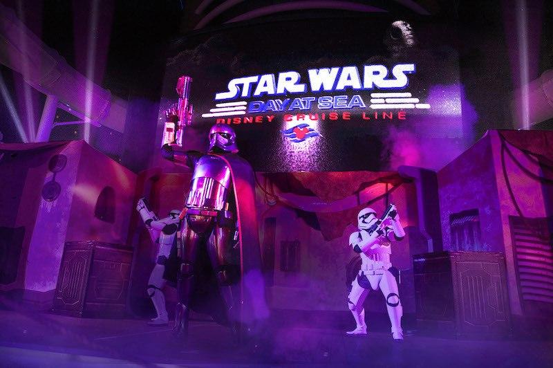 Disney Fantasy Entertainment Show Star Wars