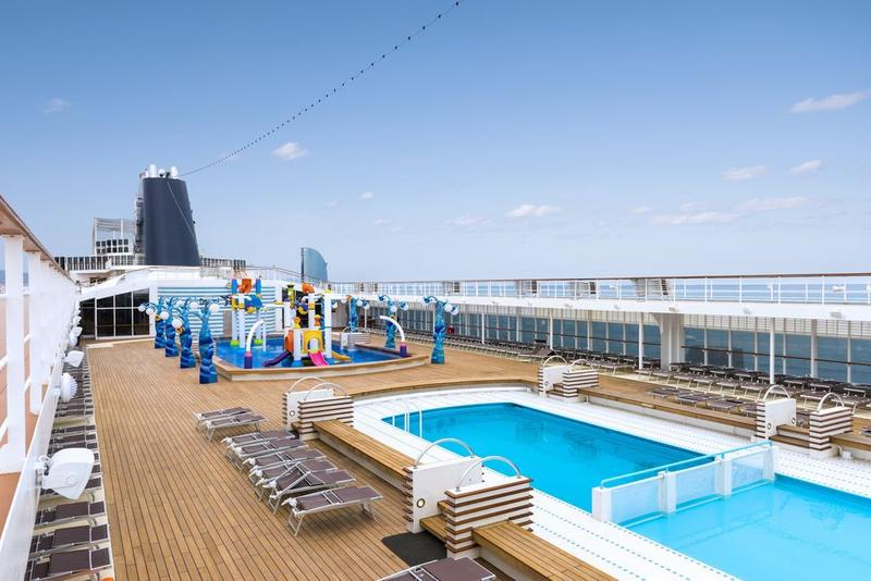 MSC Sinfonia Le Piscine Pool Area