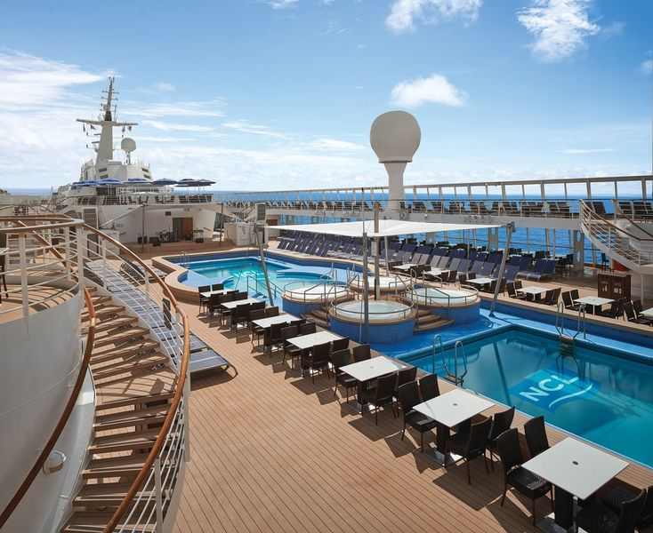 Norwegian Sky Pool