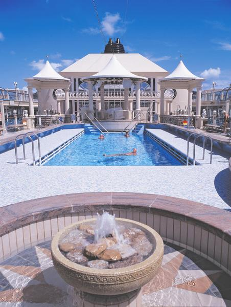 Norwegian Spirit Tivoli Pool