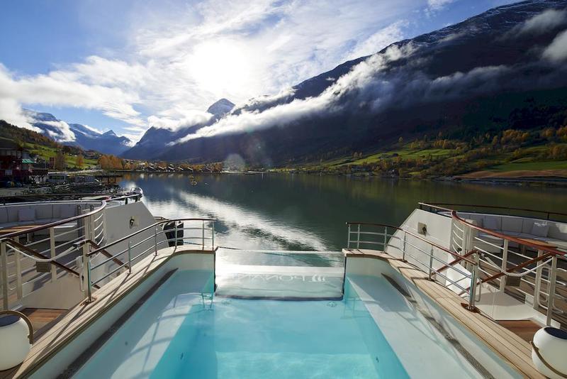 Le Champlain Pool