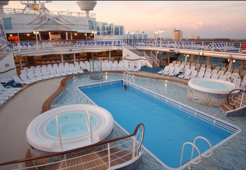 Caribbean Princess Neptunes Pool