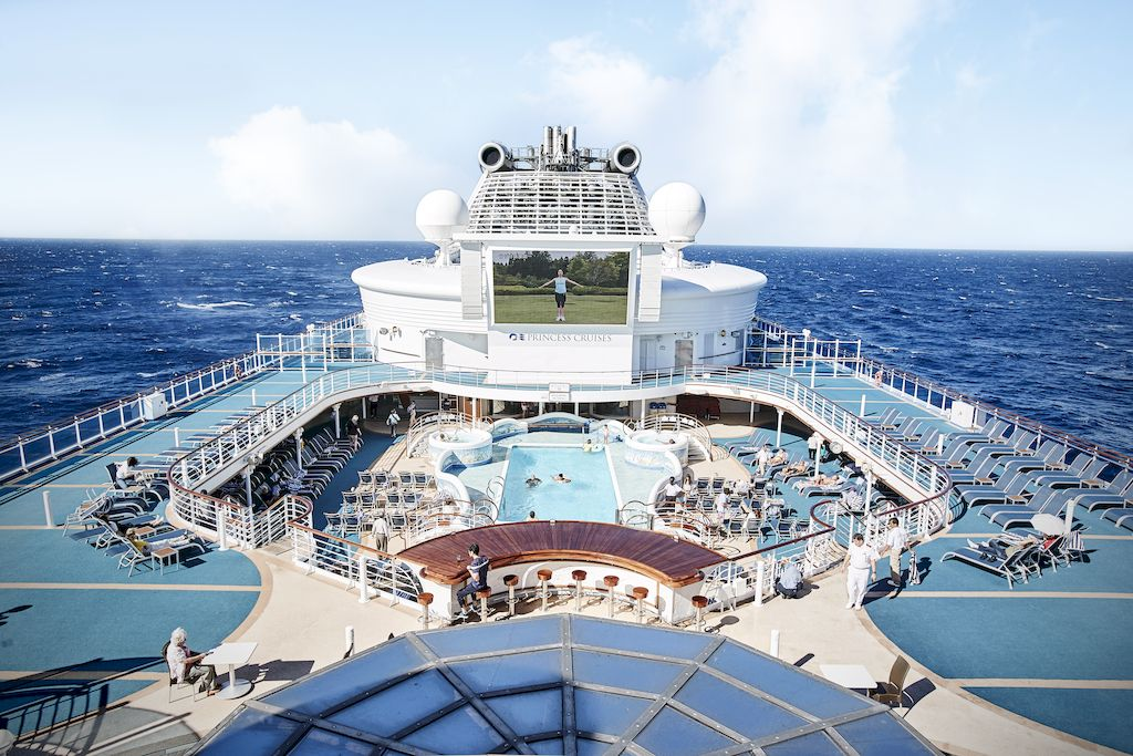 Diamond Princess Pool Deck