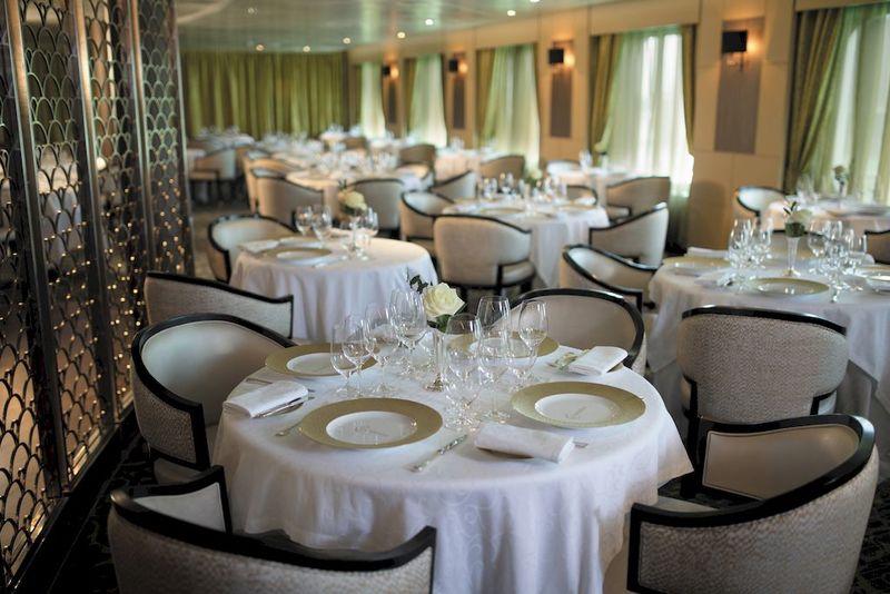 Seven Seas Mariner Chartruese Restaurant