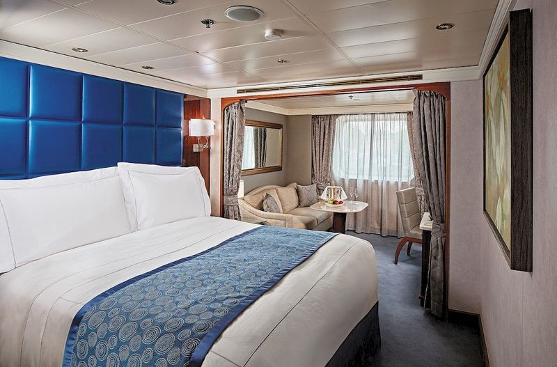Seven Seas Navigator Deluxe Window Suite