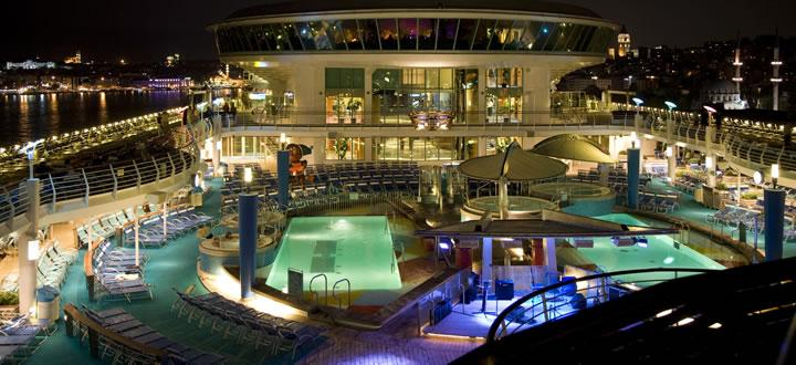 Explorer of the Seas Pooldeck