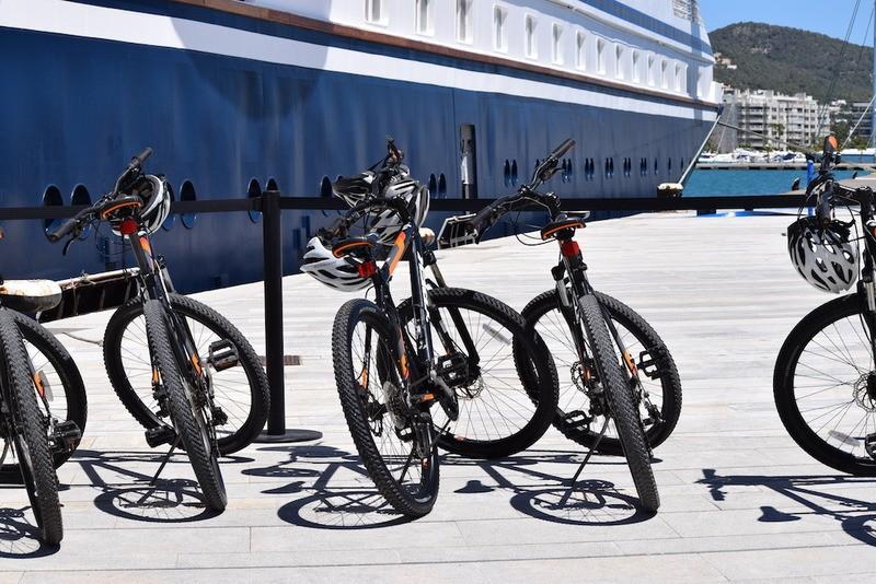 SeaDream II Biking