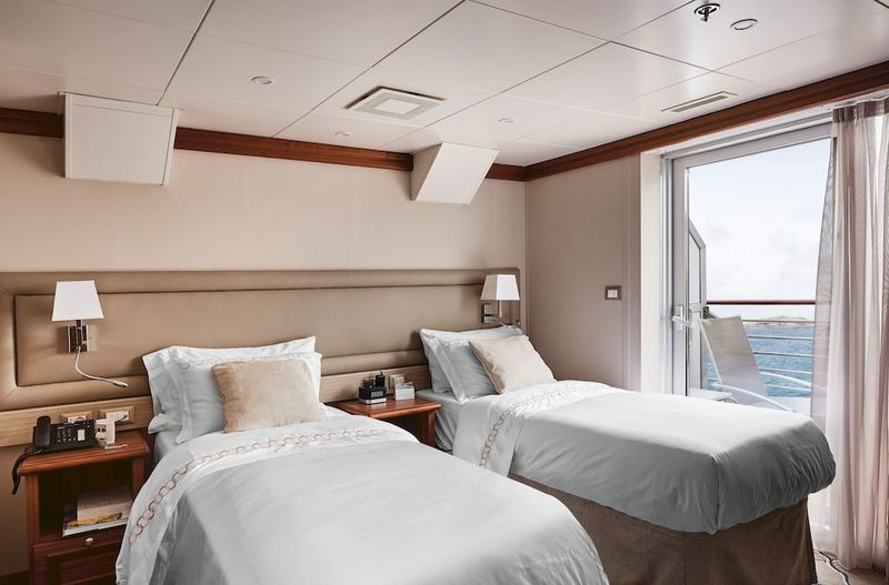 Silver Explorer Medallion Suite