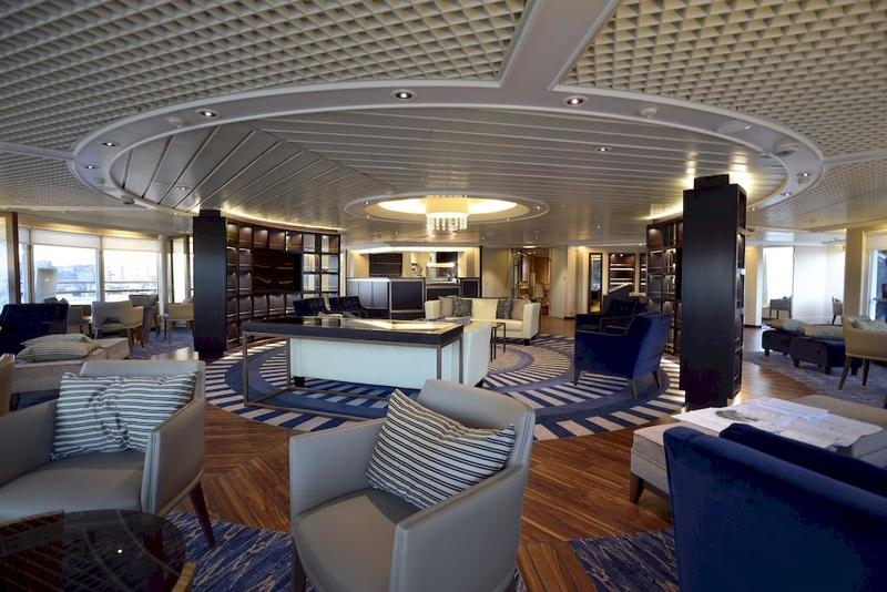 Star Pride Yacht Club Lounge